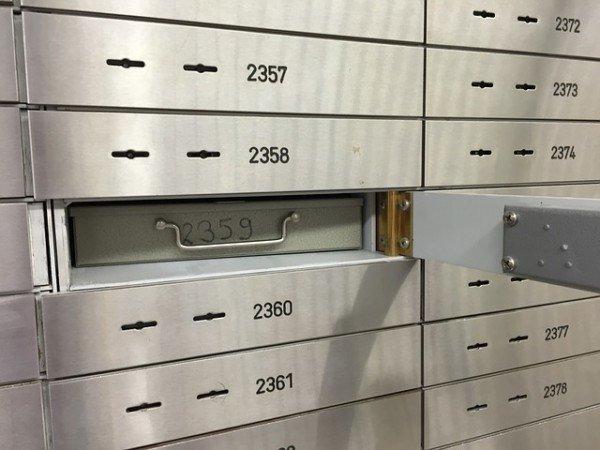 Furto cassette di sicurezza in banca: che fare?