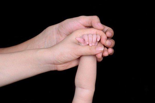 Congedo di paternità: come richiederlo