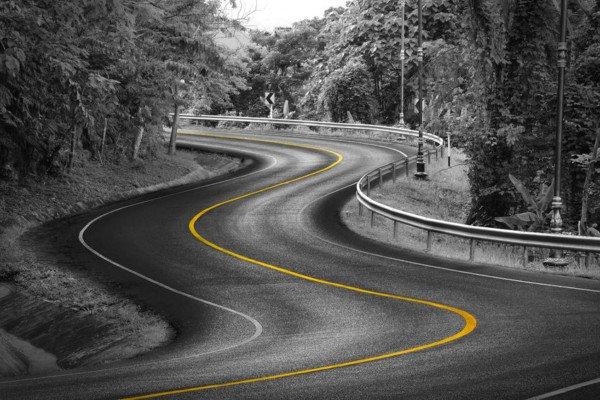 Tagliare una curva è vietato?