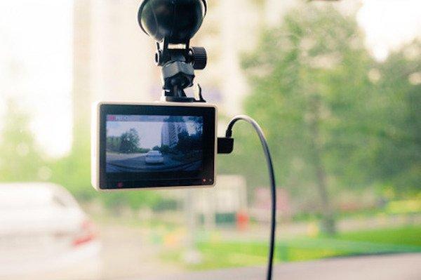 Telecamera in auto: è legale la dash cam?