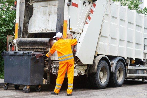 Coronavirus: a rischio il ritiro della spazzatura