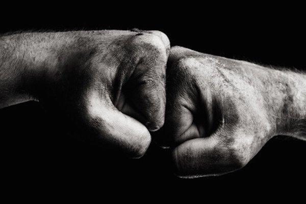 Aggressione senza testimoni: come comportarsi?