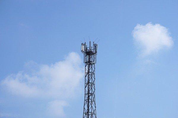 Antenna cellulari vicino casa: che fare?