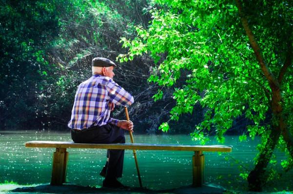 Anziano in casa: quali aiuti?