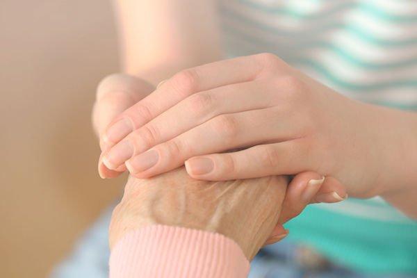 Congedo per familiari disabili: per quante ore va data assistenza?