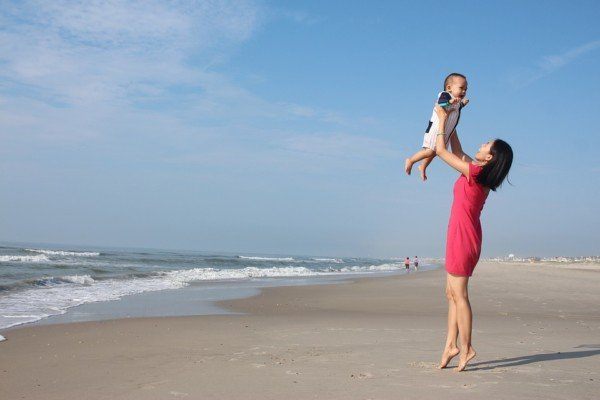 Inps: chi paga la maternità?