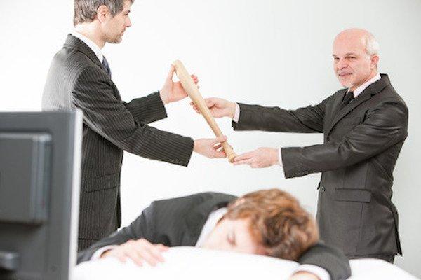 Se un dipendente prende lo stipendio ma non lavora è furto?