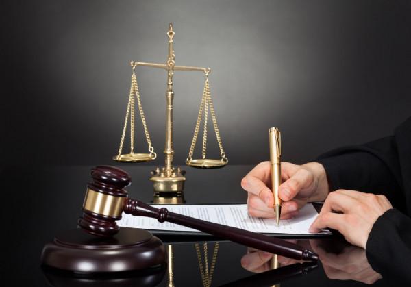 Quali sono gli atti giudiziari notificati per posta