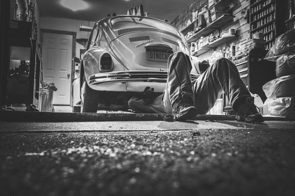Chi non paga il meccanico perde l'auto