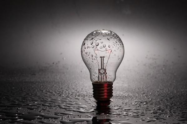 Blackout luce e sbalzi di tensione: chi risponde dei danni?