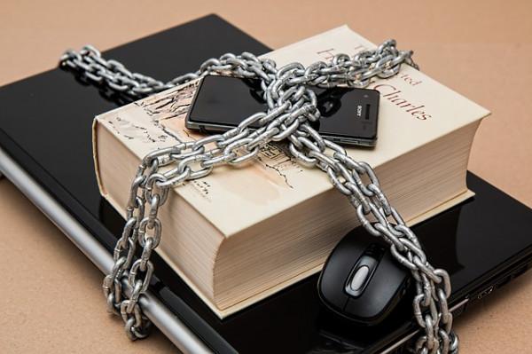 In una indagine penale si può sequestrare il cellulare?
