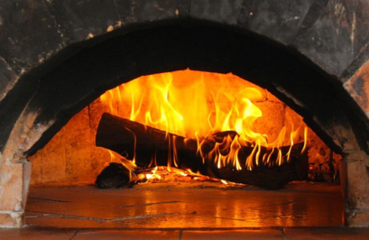Forno A Legna Immagini autorizzazione per forno a legna