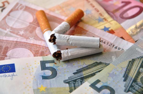 Fumare in taxi: cosa rischio