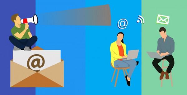 Inoltrare una email è reato?
