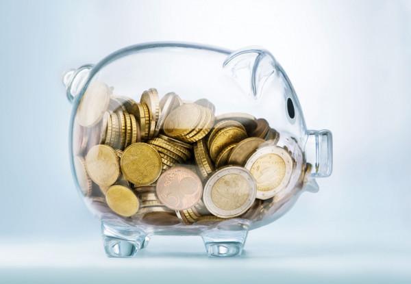 Come risparmiare ogni mese senza togliersi nulla