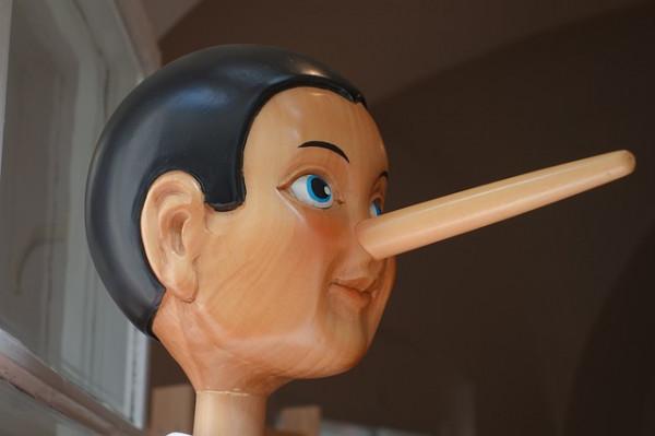 Se un minorenne dice una bugia cosa rischiano i genitori?
