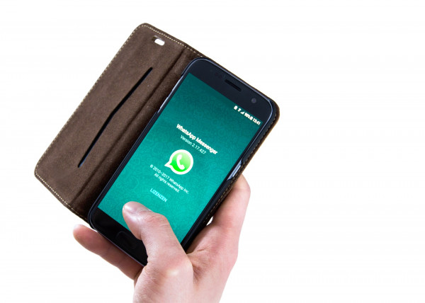 Divulgare messaggio di gruppo WhatsApp: cosa si rischia?