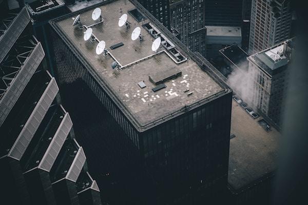 Morosi in condominio: niente antenna della televisione