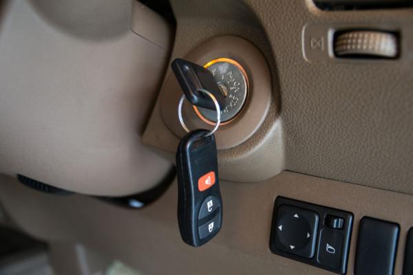 Furto auto: se lascio le chiavi attaccate paga l'assicurazione?