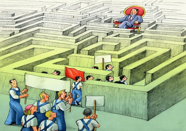 Risarcimento danni a lavoro: spetta anche senza mobbing?