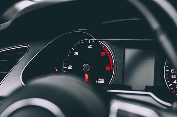 Autovelox: la multa per eccesso di velocità dopo quanto scatta?