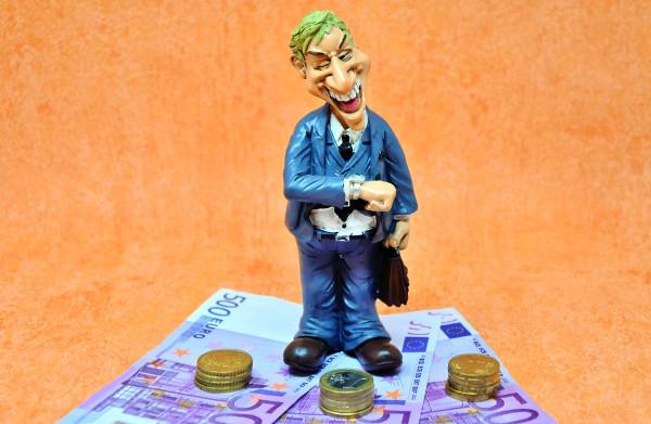 Pagare in contanti o in assegno: 10 cose da sapere