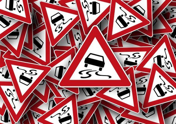 Segnali stradali col triangolo: cosa indicano?