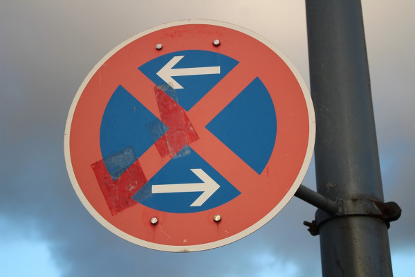 Segnali stradali senza ordinanza: sono validi?