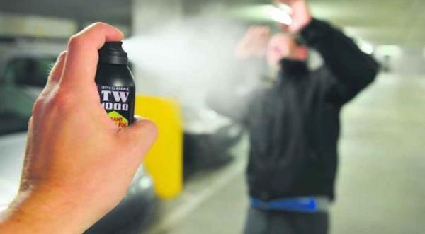 Che rischio se circolo con lo spray al peperoncino?