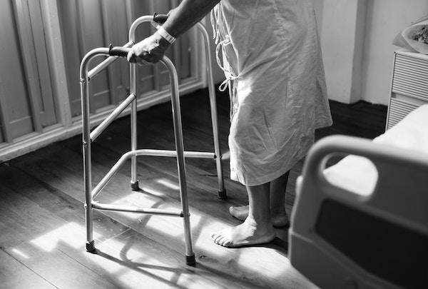 Assistenza anziani: aiuti dello stato
