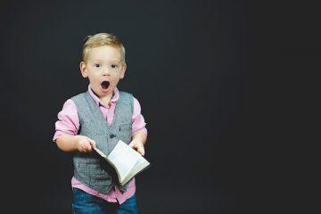 Compiti in classe del figlio: il genitore può vederli?