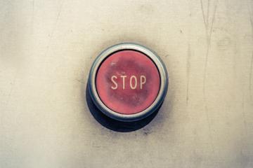 Assenze continue al lavoro: sono causa di licenziamento?