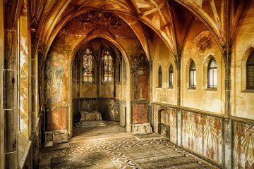 Cosa rischio se entro in una chiesa abbandonata?