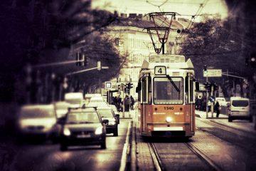 Auto ingolfata causa traffico: cosa rischio?
