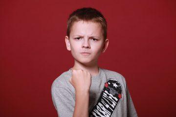 Minacciare di bocciare un alunno: cosa si rischia?