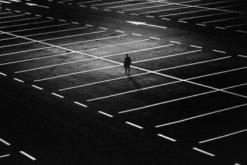 Strisce bianche: quali veicoli possono parcheggiare