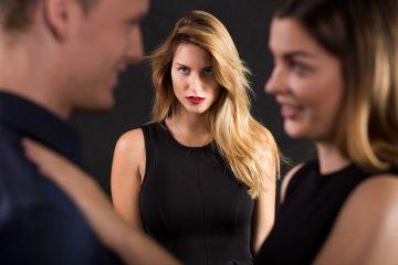 Posso minacciare l'amante di mio marito?