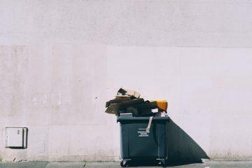 Frugare nella spazzatura è violazione della privacy?