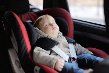Mancato uso del seggiolino in auto: omicidio stradale per i genitori?