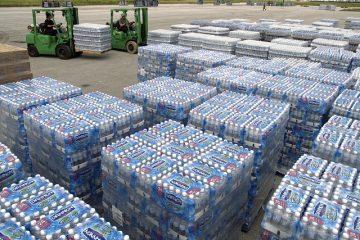 Acqua minerale: tenere le bottiglie al sole è reato?