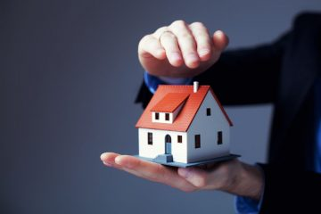 Il marito può impedire di vendere o donare una casa alla moglie?