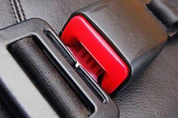 Nuova legge sulle cinture di sicurezza: il conducente paga anche per i passeggeri