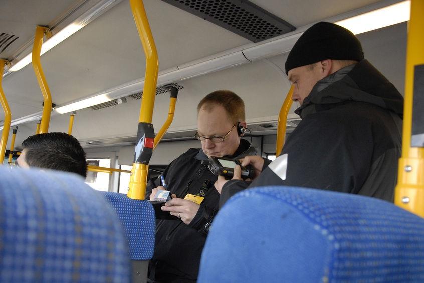 Multa sull'autobus: come contestarla?