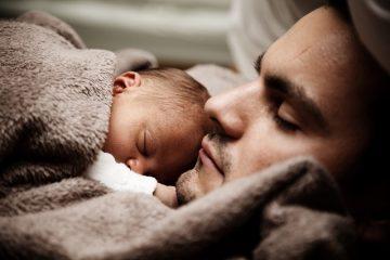 Permessi per il figlio al padre se la madre è autonoma