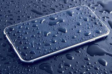 Smartphone in acqua: come recuperare i dati