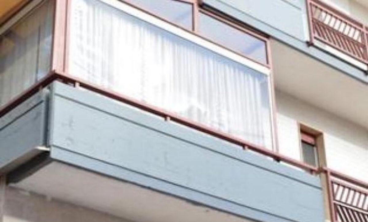 Tende Per Chiudere Ripostiglio veranda su terrazzo privato condominio