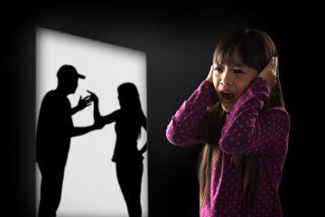 La madre che sottrae i figli minori cosa rischia?