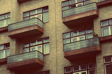 Danni balcone: chi paga?