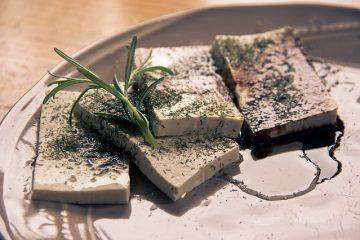 Come cucinare il tofu per renderlo sfizioso e saporito