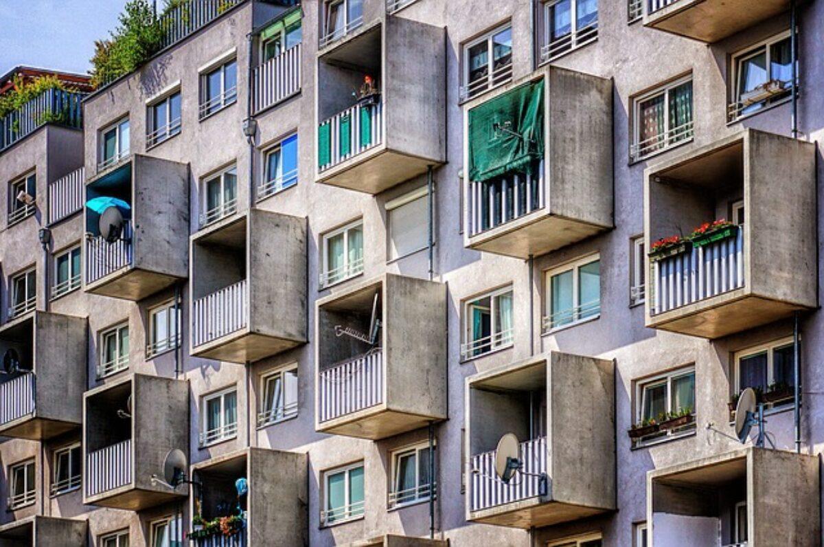 Rete Per Balconi Bambini rete sul balcone: serve il permesso del condominio?